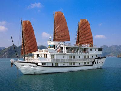 Opera-Aclass Cruise1